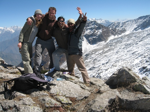 Kate, Rupert, Ravinder and Raju on top of the Indahara Pass.