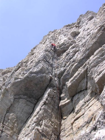 Unknown climber on Finale Groove.