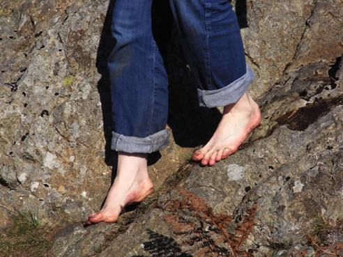 http://mountainmagic.org.uk/wp-content/uploads/2010/10/Barefoot-Mountain-Adventure-Brochure.JPG