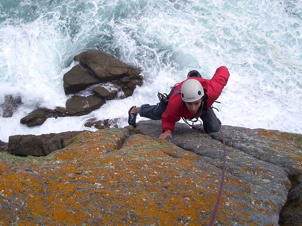 Sea Cliff Climbing Courses and Adventures