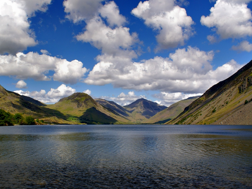 Hill walking, mountaineering and rock climbing courses for adults, youth and organisations all over the UK.