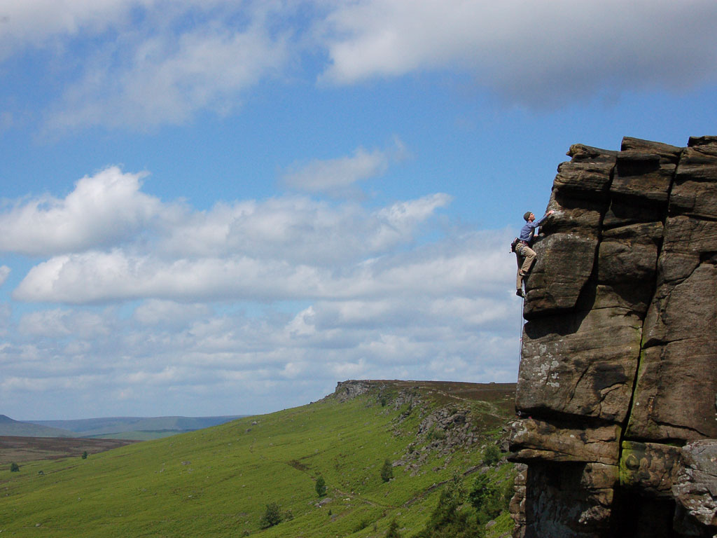 Hill walking and rock climbing courses in the Peak District