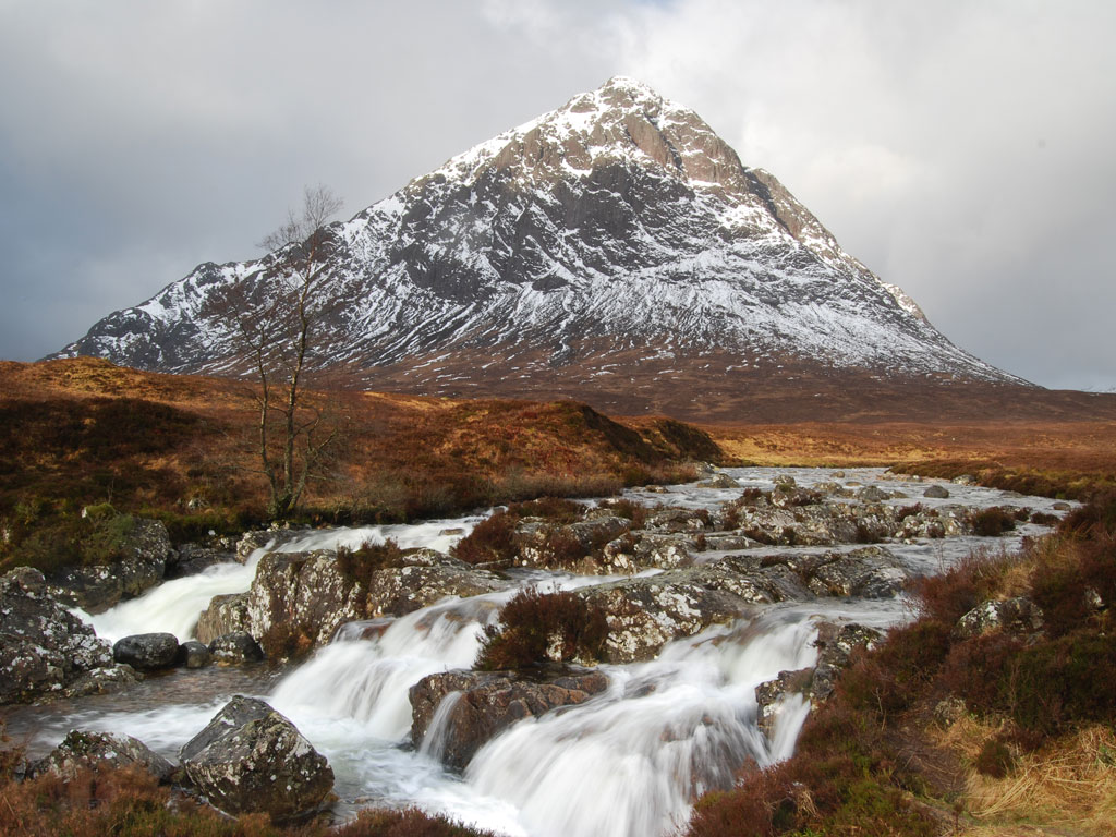 Hill Walking, mountaineering and rock climbing courses in Glen Coe